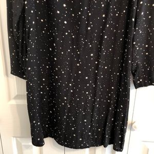 H&M Dresses - H&M black and white star dress size 14 Long sleeve